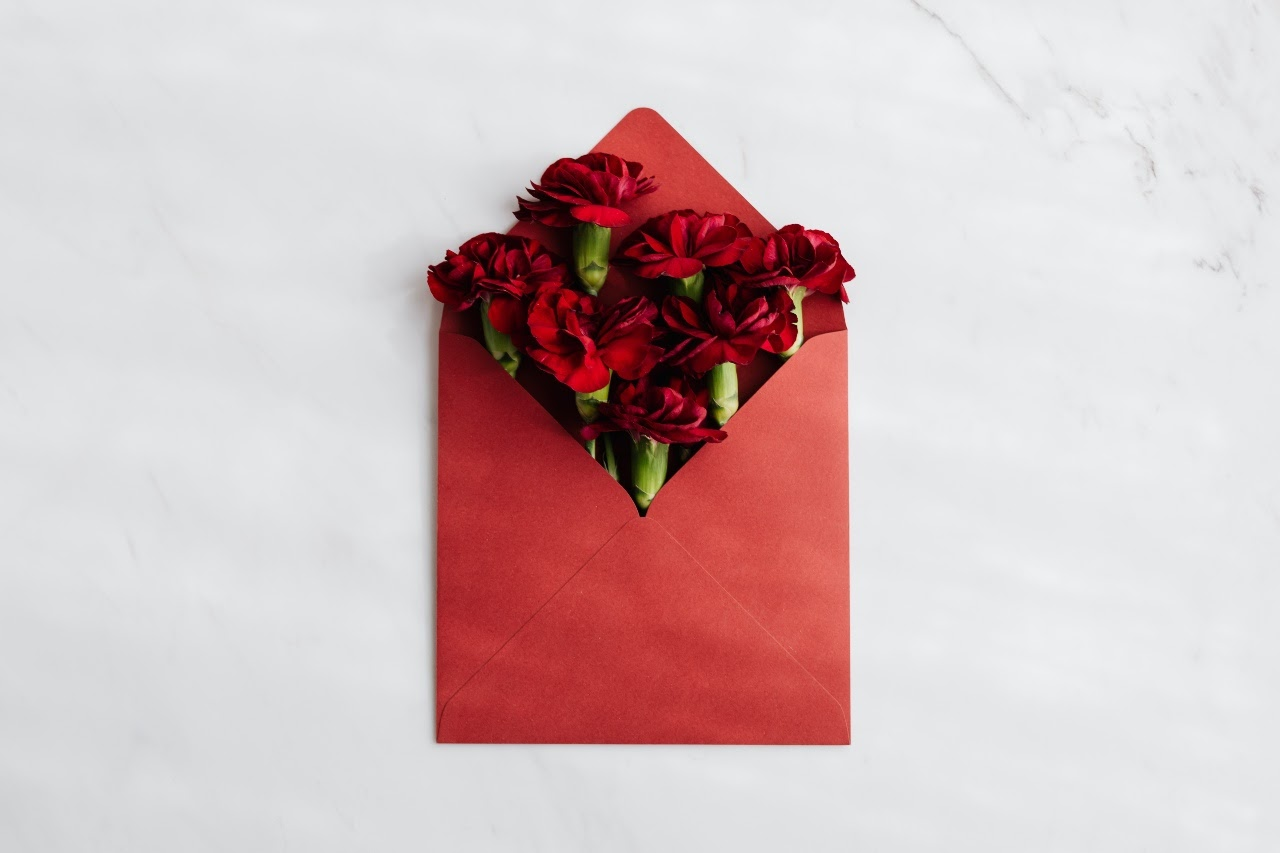 Gifting Tips for Valentine's Day at Guven Brothers